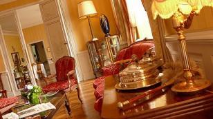 reception room - chateau hotel