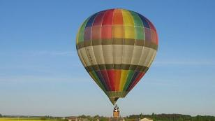 hot air balloon ride in the Loire Valley
